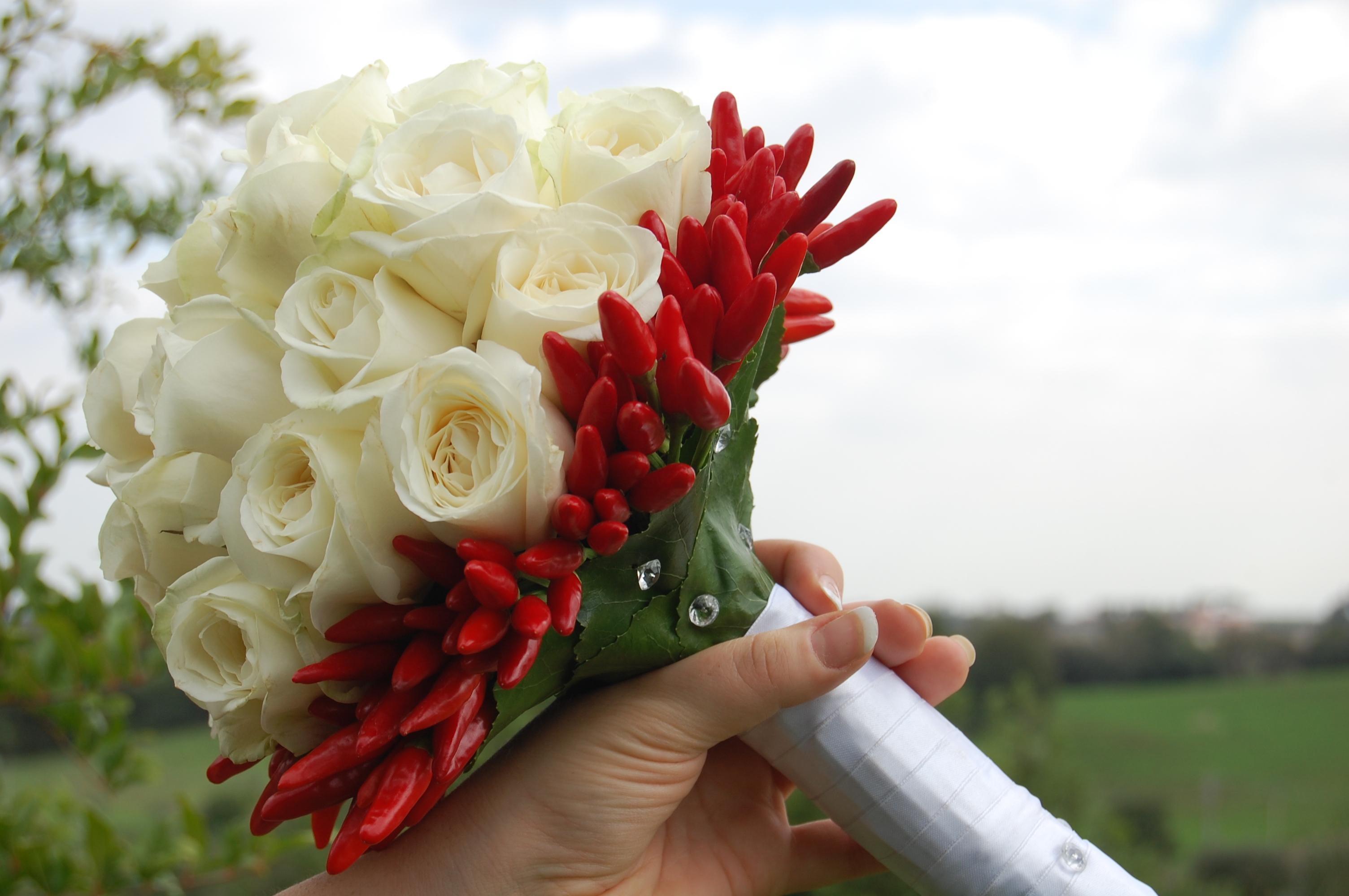 Mazzo Di Fiori Con Peperoncini.Bouquet Come Sceglierlo