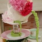 Allestimento tavola con teiera e fiori - Pepe Rosa Eventi