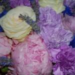 Peonie, rose, garofani, fiordaliso e lavanda - Pepe Rosa Eventi