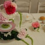 Una parte del tavolo apparecchiata per un brunch - Pepe Rosa Eventi