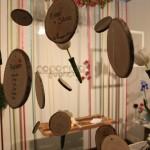Tableau appeso con legno e tulipani - Pepe Rosa Eventi